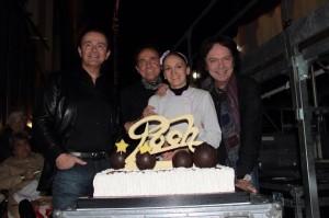 La Torta consegnata in occasione del concerto dei Pooh a Brescia