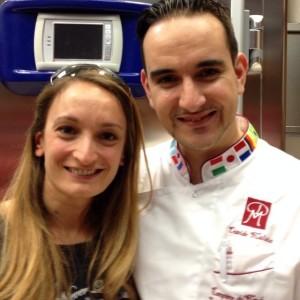Davide Malizia in visita a Brescia , ha avuto occasione di incontrare la nostra Giada Farina . Il campione del mondo in zucchero artistico , ha eseguito una scultura , cosa in cui eccelle , presso la Casatlimenti