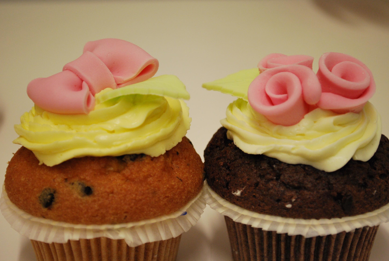 Tutorial decorazione cupcake roselline le torte di giada for Decorazione torte e cupcake