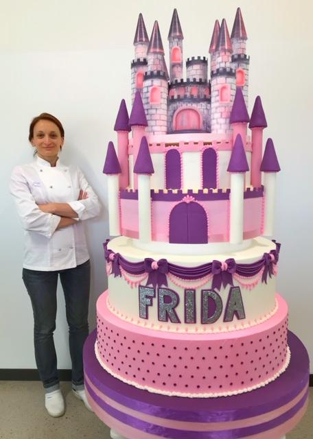 torta castello gigante brescia